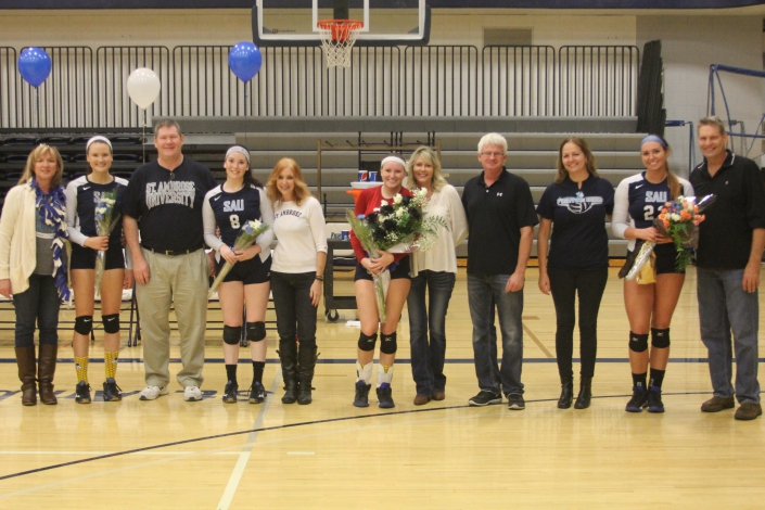 Bees push Wolves to five sets on Senior Night photo