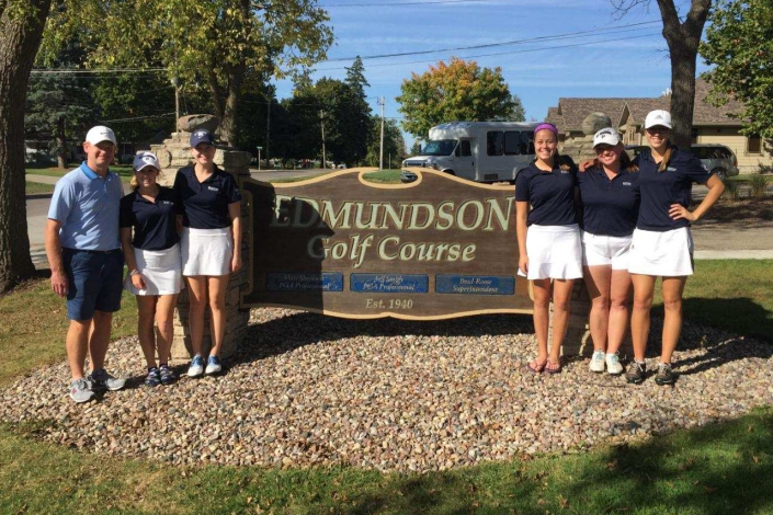 Bees take 12th place at Statesmen Fall Classic photo